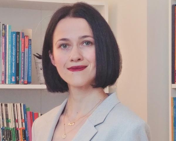 dr Katarzyna Małecka-Kujunxhiu